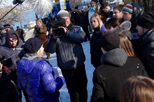 Илья Сафронов к удивлению всех без ошибок назвал все цифры номера телефона девушки. Фото Василия БАТАНОВА