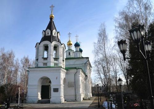 При жизни Александр Пороховщиков и его жена Ирина захаживали в этот храм.