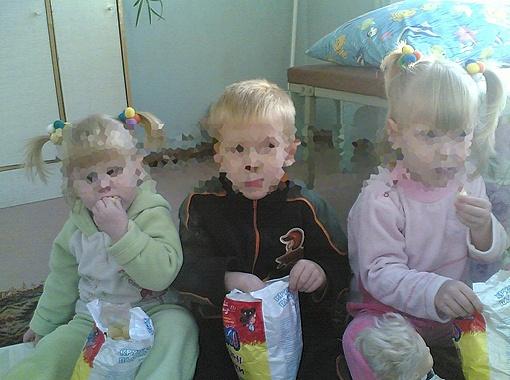 Катю, Ваню и Лизу отдавали в образцовую семью, а оказалось - извергам.