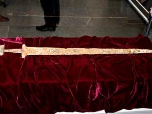 Из Днепра возле Хортицы выловили меч князя Святослава